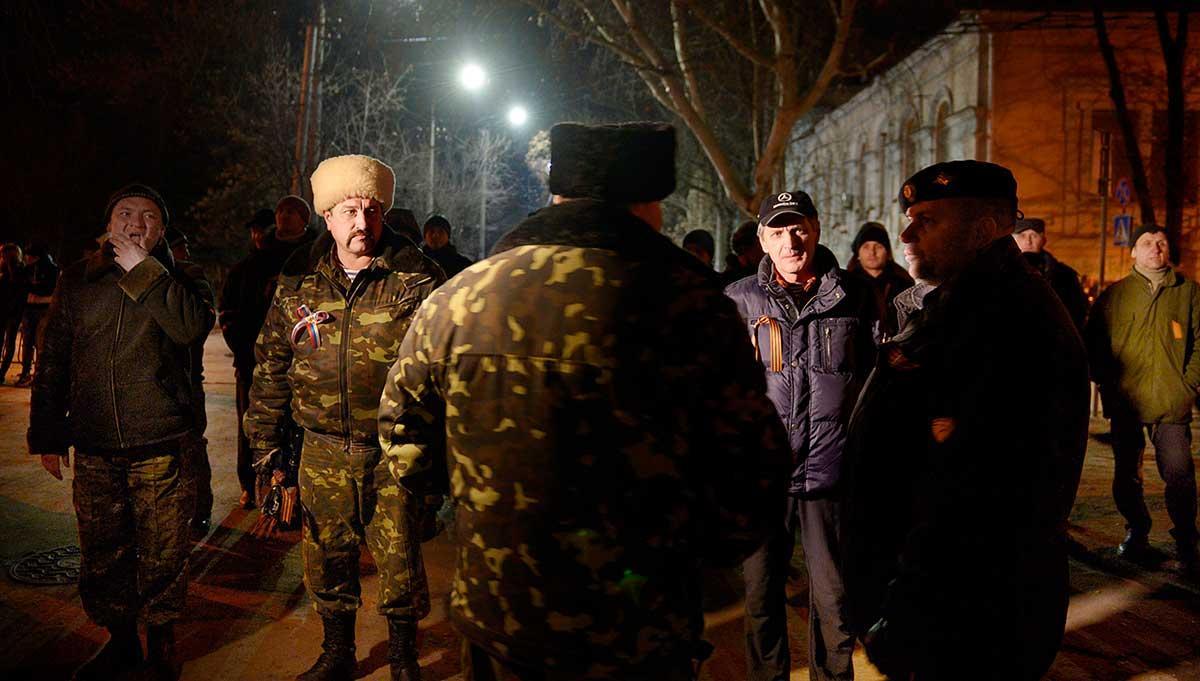 Proryskt medborgargarde i Simferopol på Krim, där Aftonbladet Kulturs medarbetare Martin Aagård var på plats i mars 2014. Han blev bland annat första svenska journalist att rapportera om den ryska propagandan.