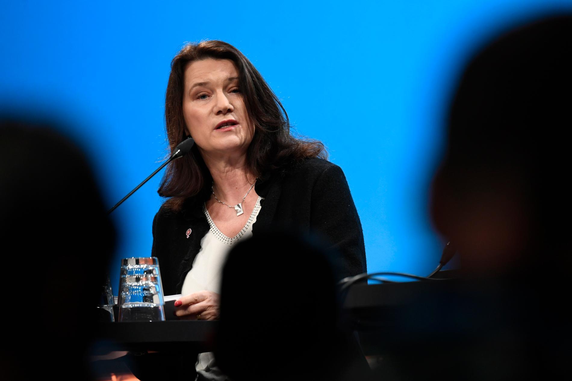 Utrikesminister Ann Linde (S) är i blåsväder efter en tysk tv-intervju.