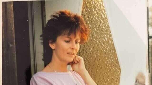 Inger Åsén, 68, dog i branden.