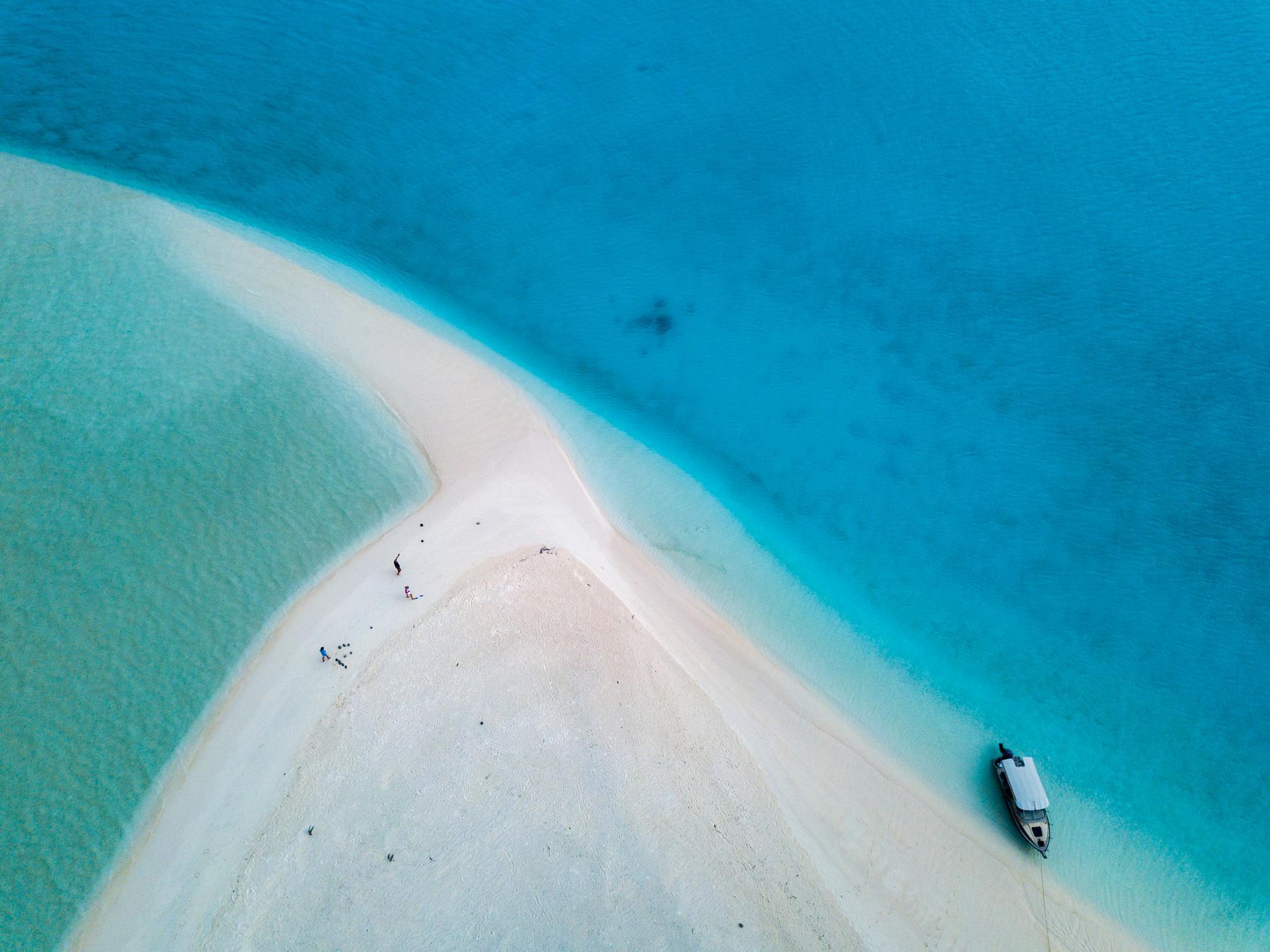 Snorkla, dyk, vandra eller åk båt under tid tid på Cooköarna.