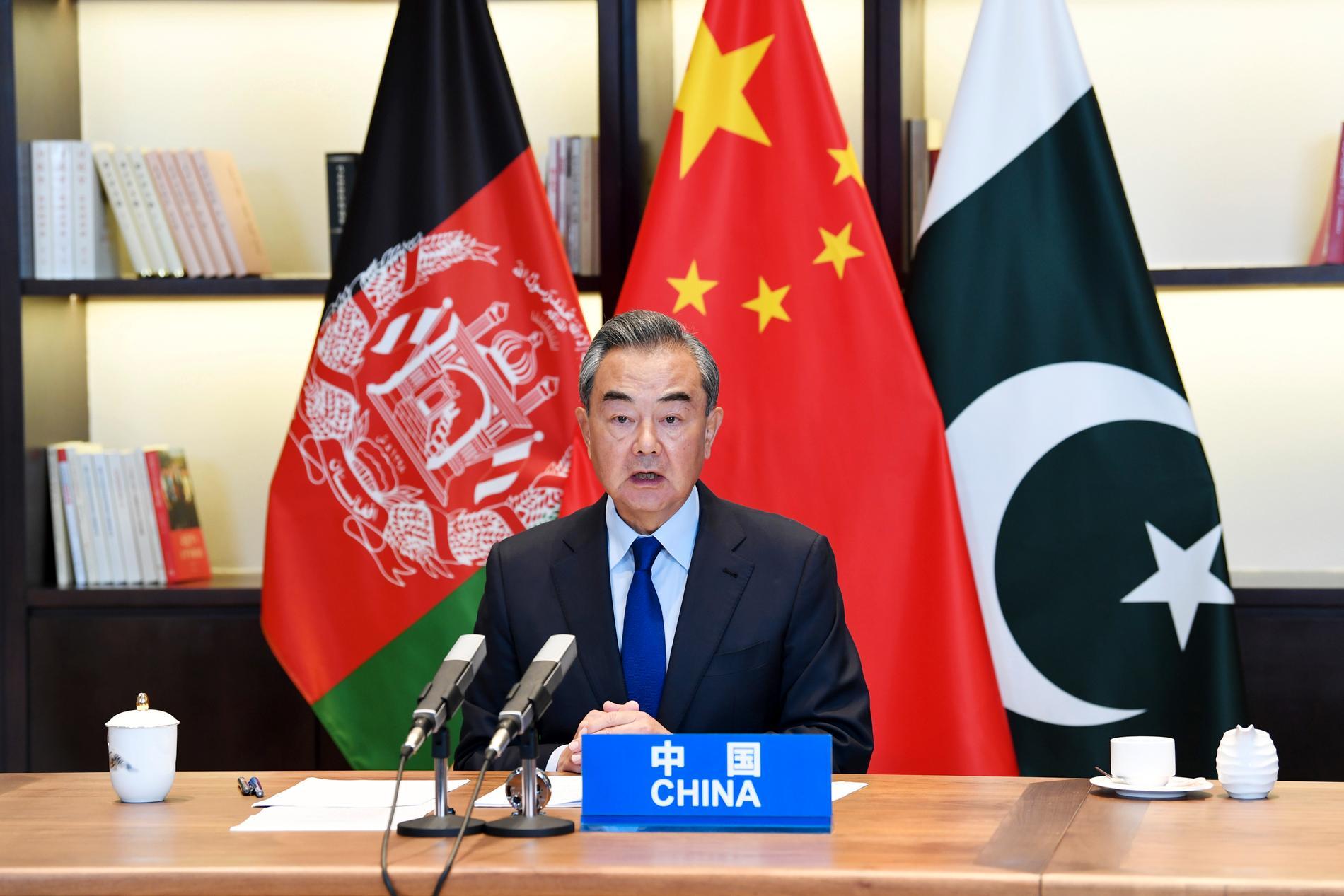 Kinas utrikesminister Wang Yi vid en konferens mellan Kina, Afghanistan och Pakistan i juni.