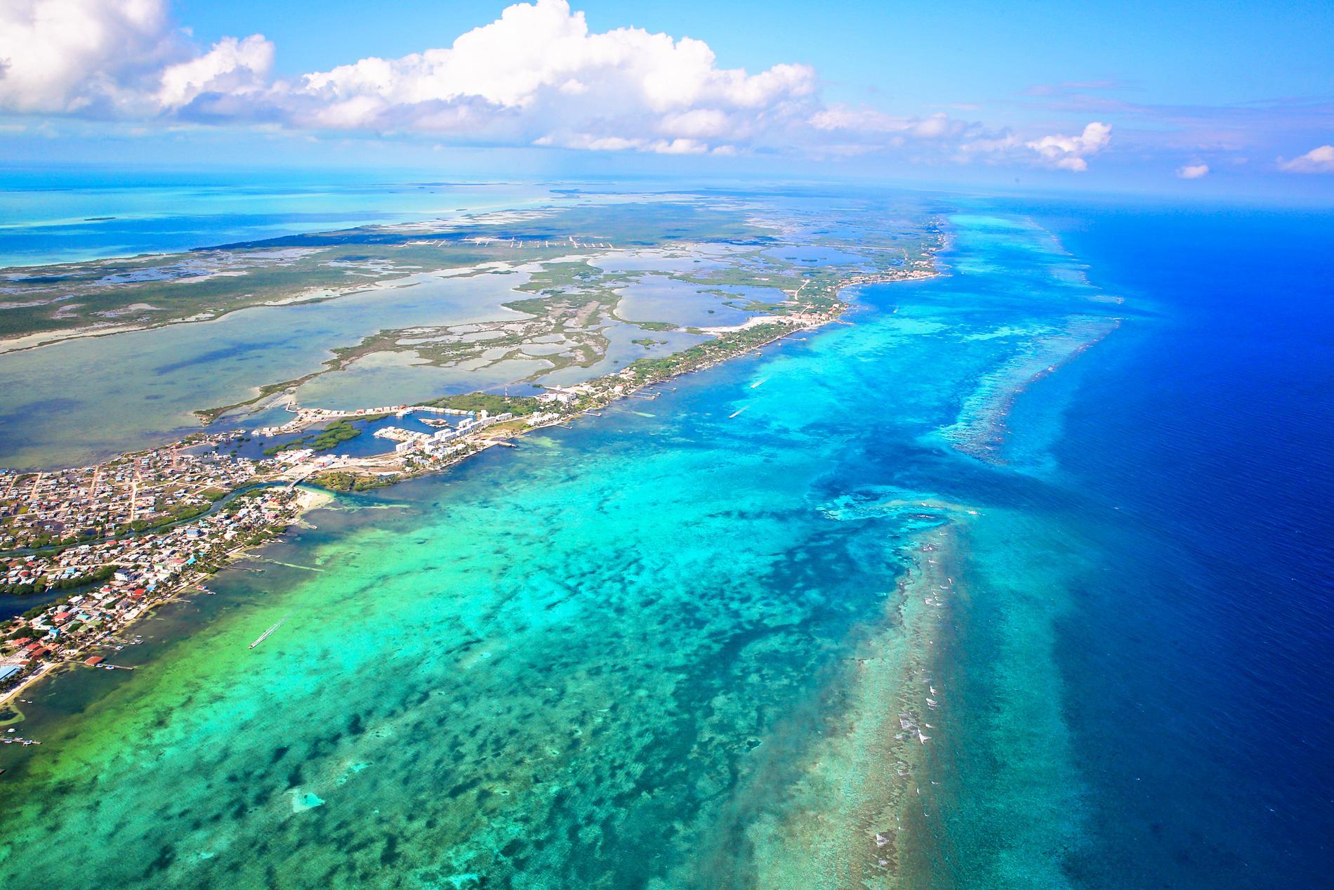 San Pedro är en lite livligare ö utanför fastlandet.