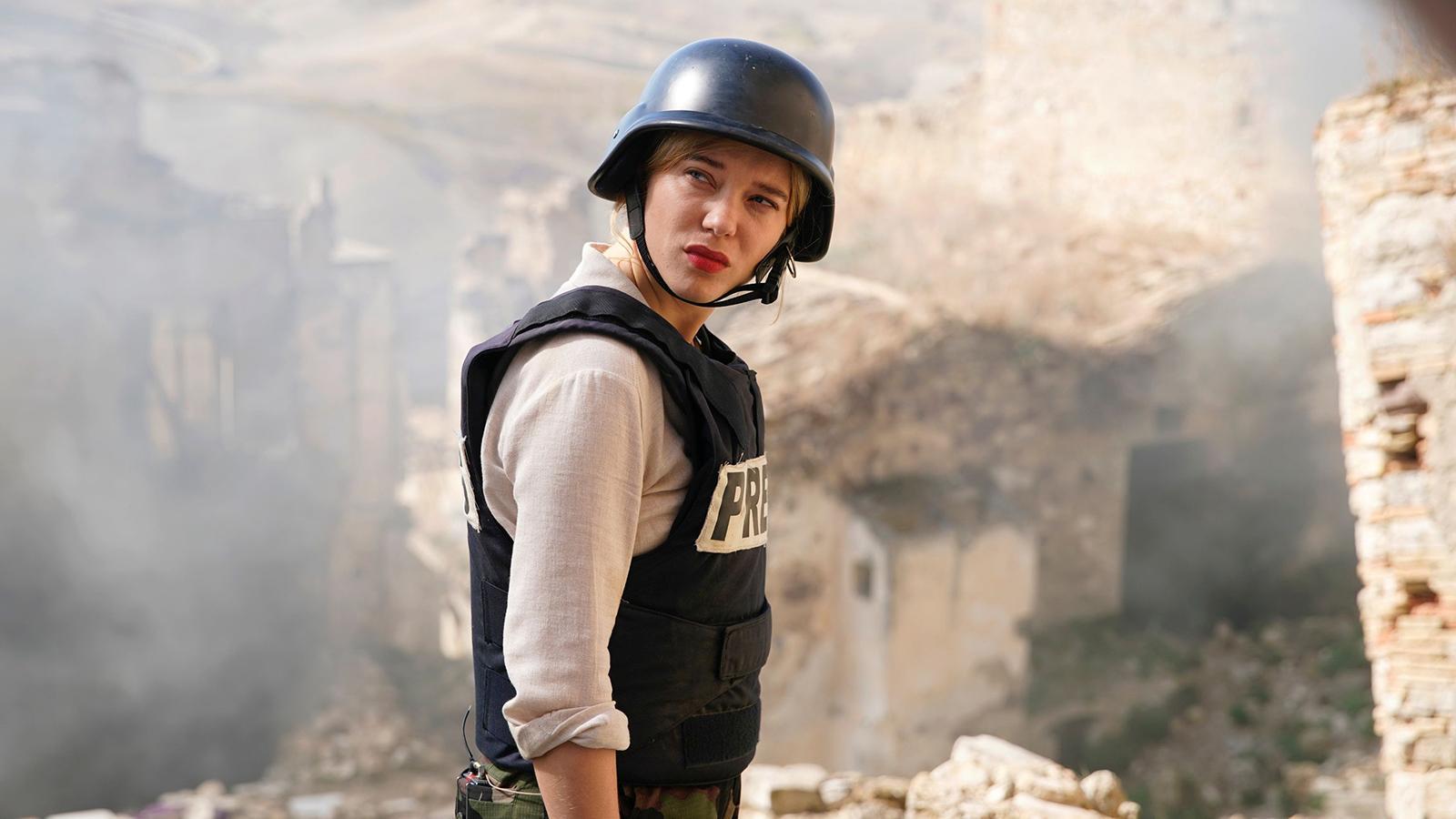 """Léa Seydoux i filmen """"France"""" där hon spelar krigsreporter."""