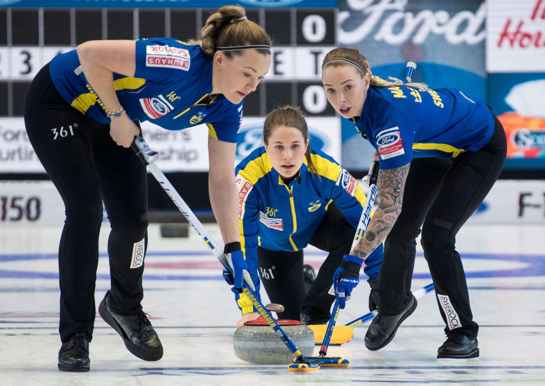Sverige vann VM-semifinalen i curling mot Ryssland med 7–6.