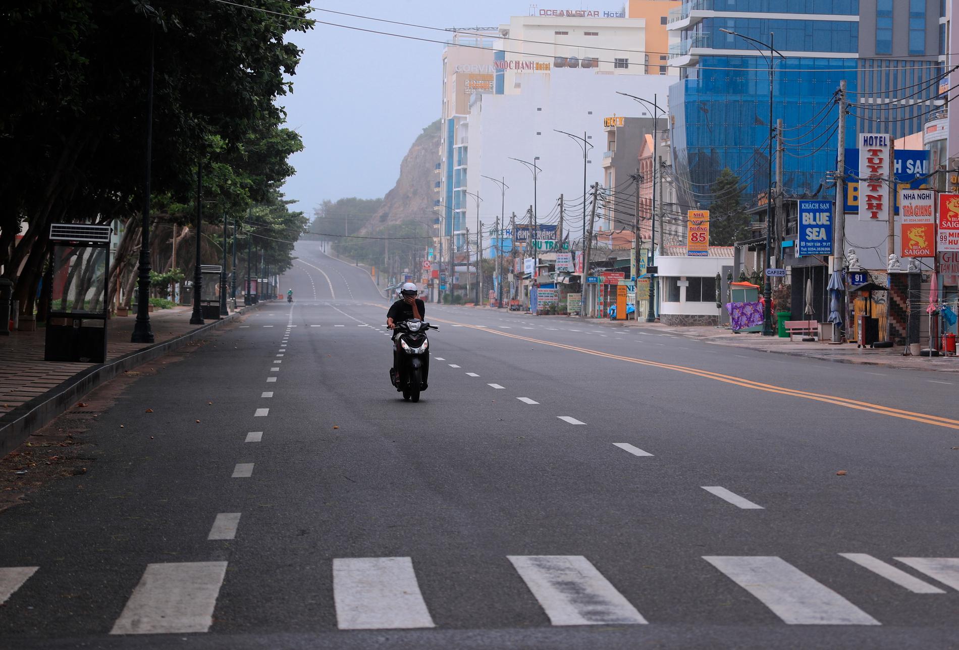 I Vang Tau i södra Vietnam råder nedstängning i två veckor från och med natten till måndag.