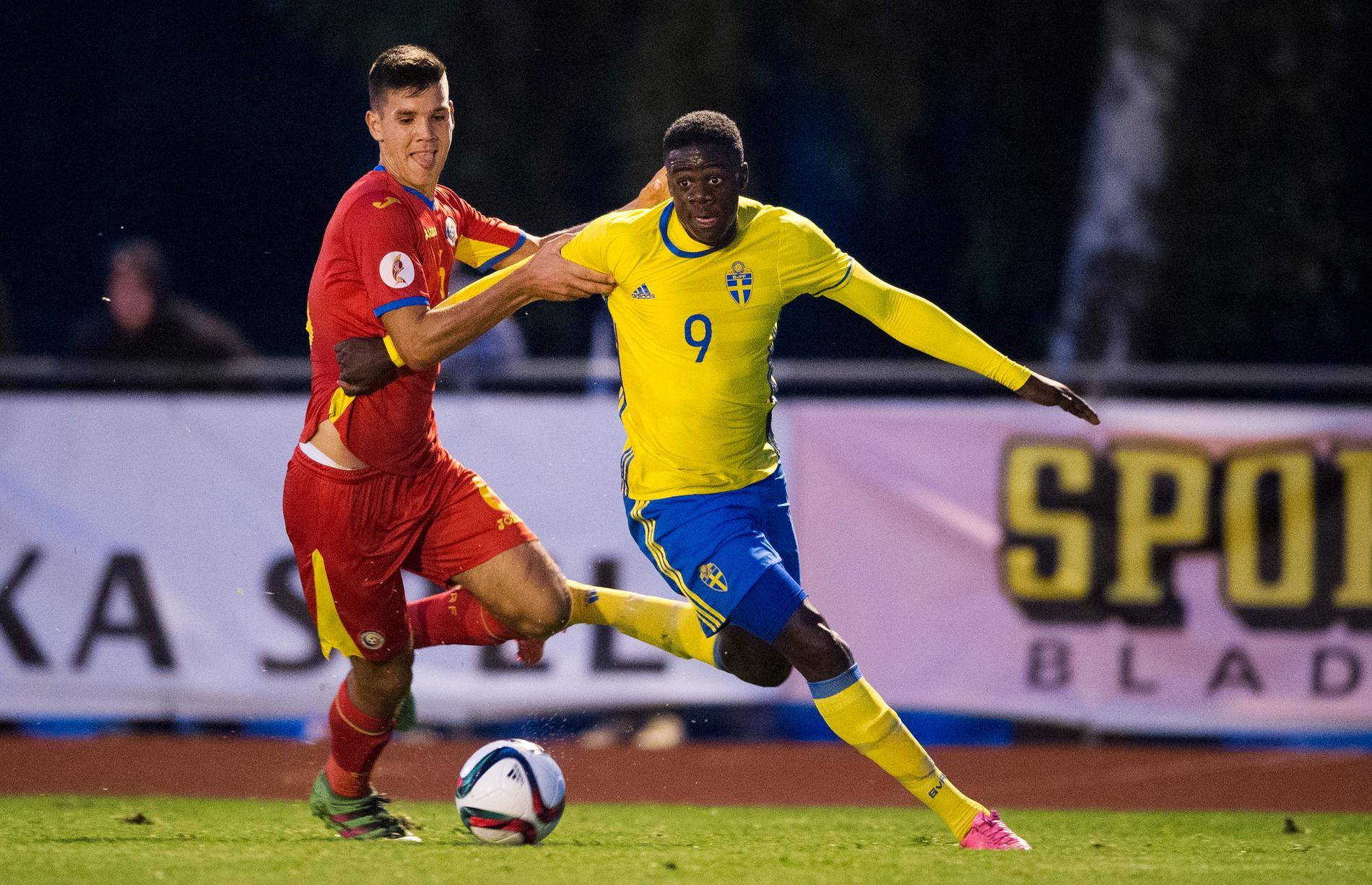 Mumbongo i matchen mot Rumänien i U17-landslaget 2016.