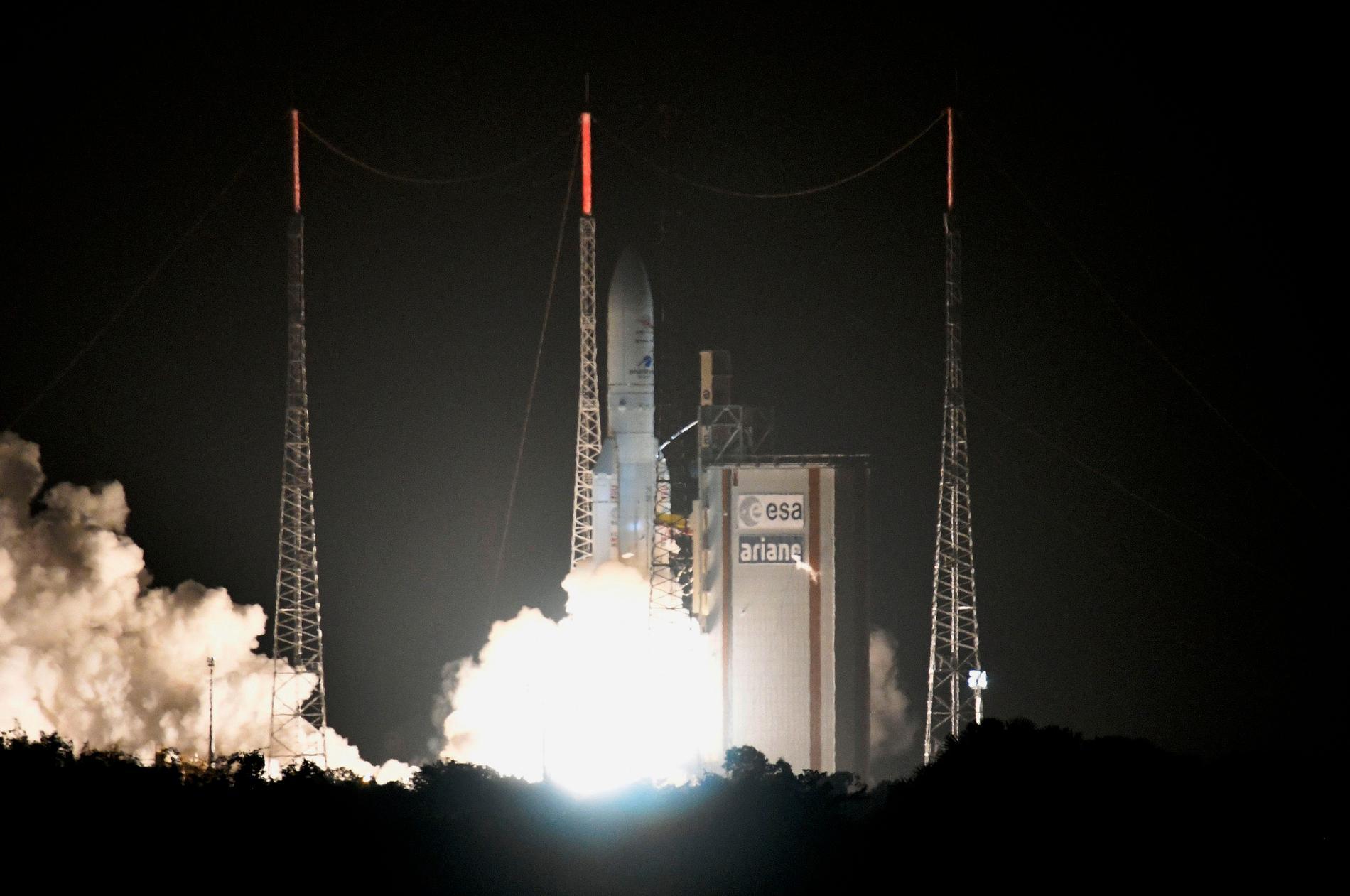 Raketen Ariane 5 har skickat upp den omprogrammerbara satelliten Eutelsat Quantum i omloppsbana runt jorden. Arkivbild.