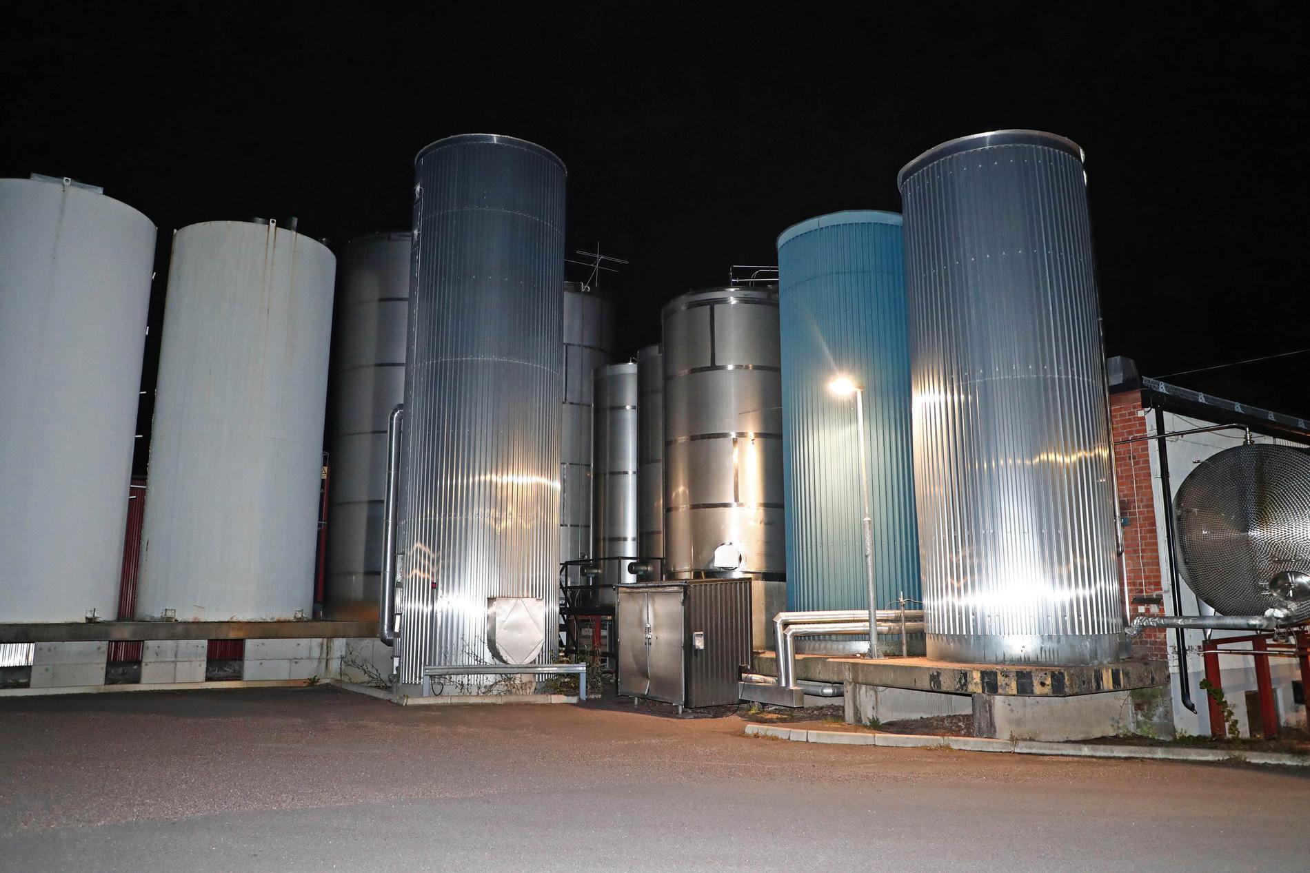 Bråket rör flera silos på fastigheten.