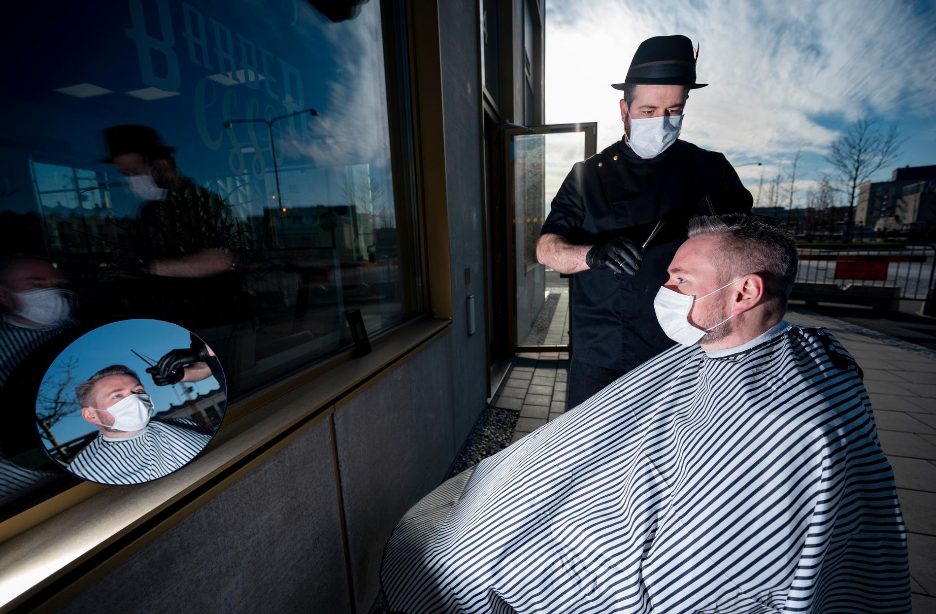 På Barberesso kan kunderna välja att klippa sig utomhus.