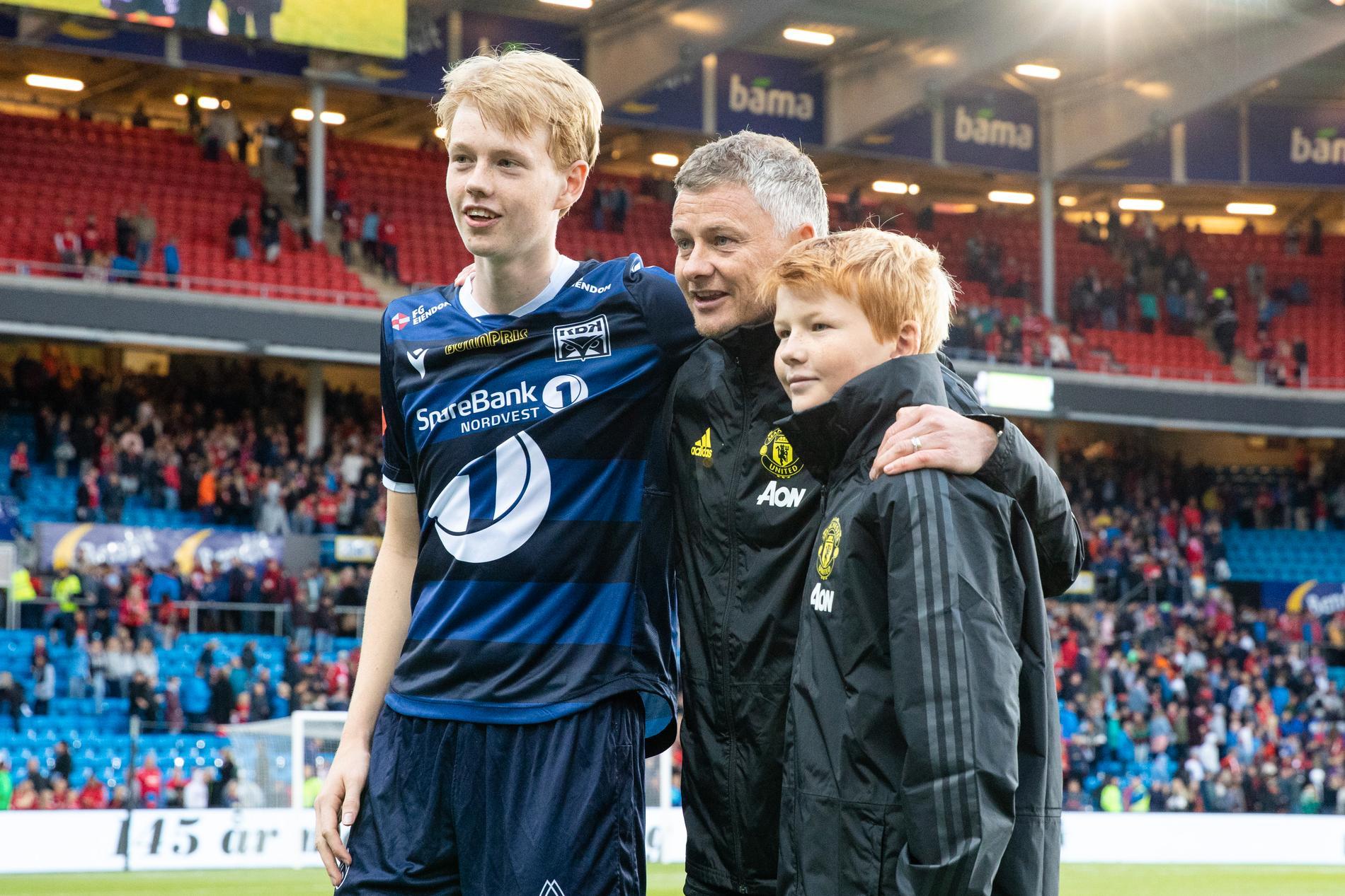 Noah Solskjaer (till vänster)