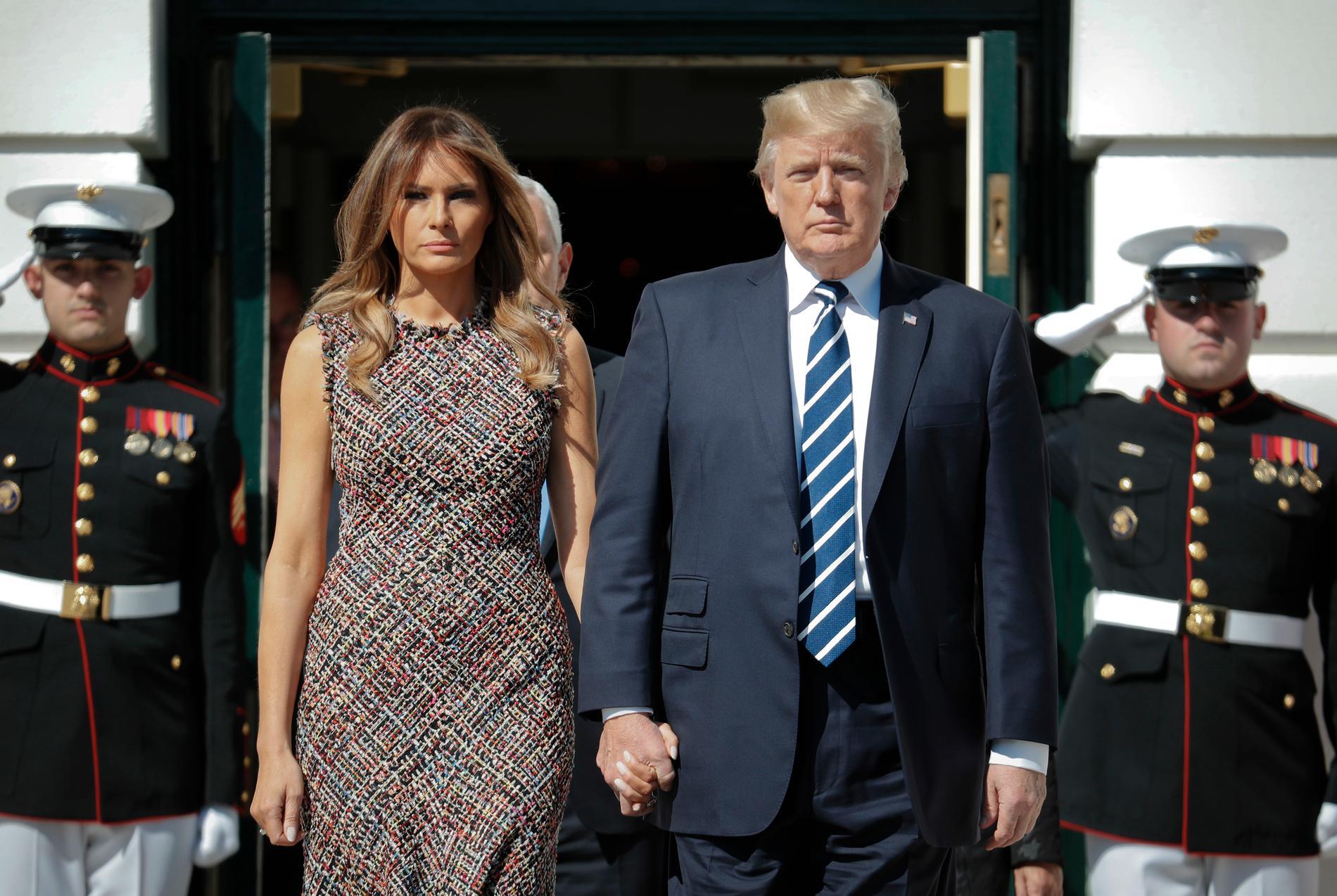 Donald Trump med frun Melania efter Las Vegas-skjutningarna.