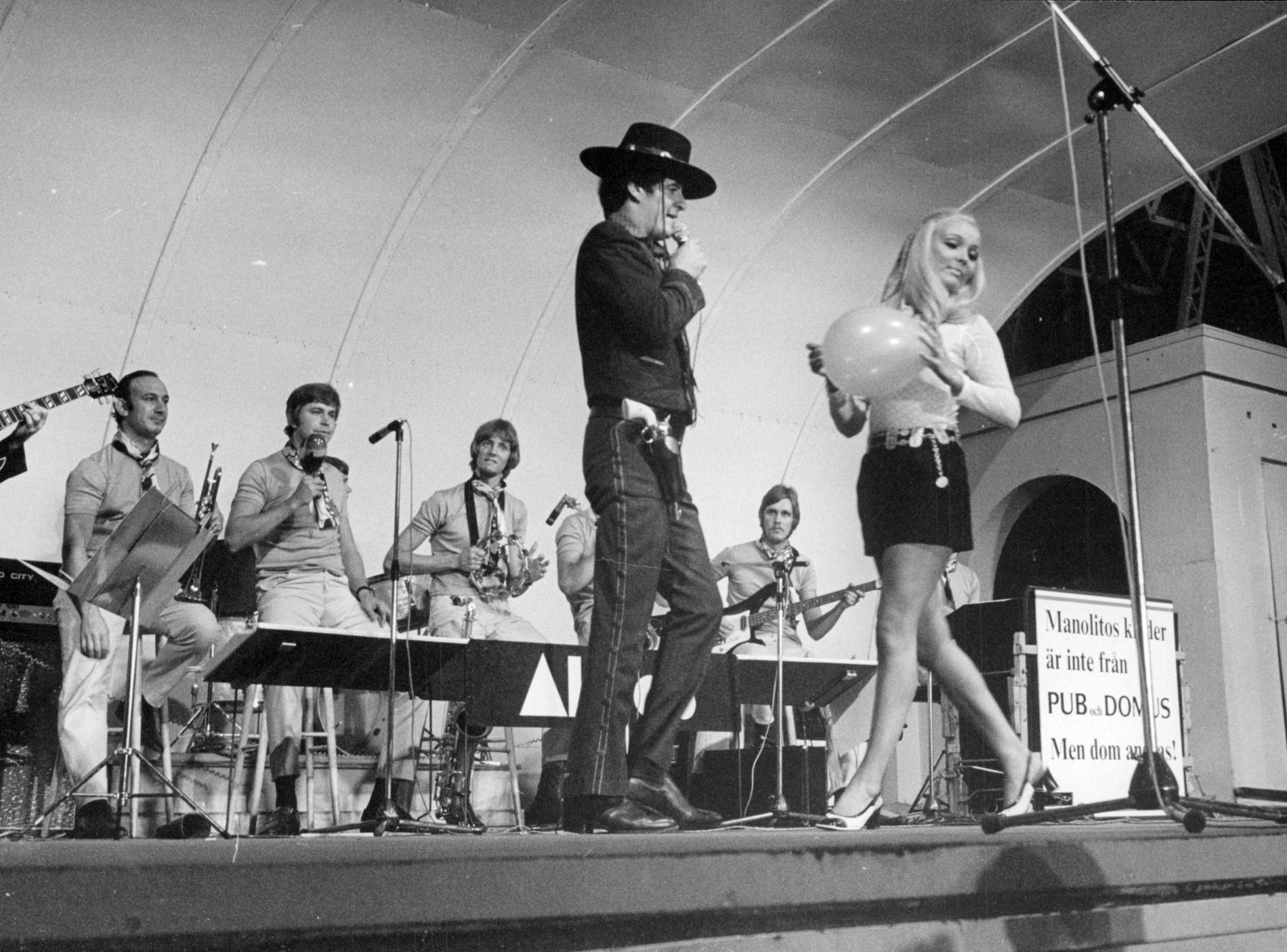 Henry Darrow uppträder på Gröna Lund sommaren 1969