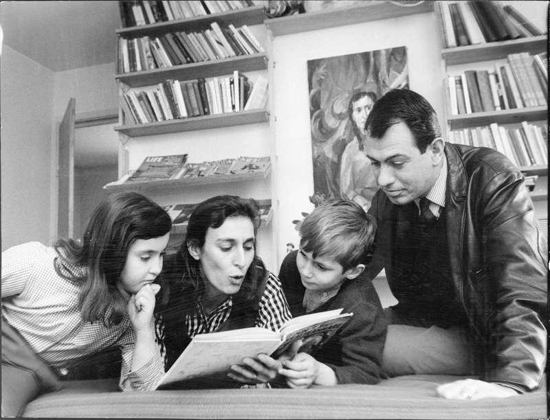 Katarina Taikon med familjen 1965.
