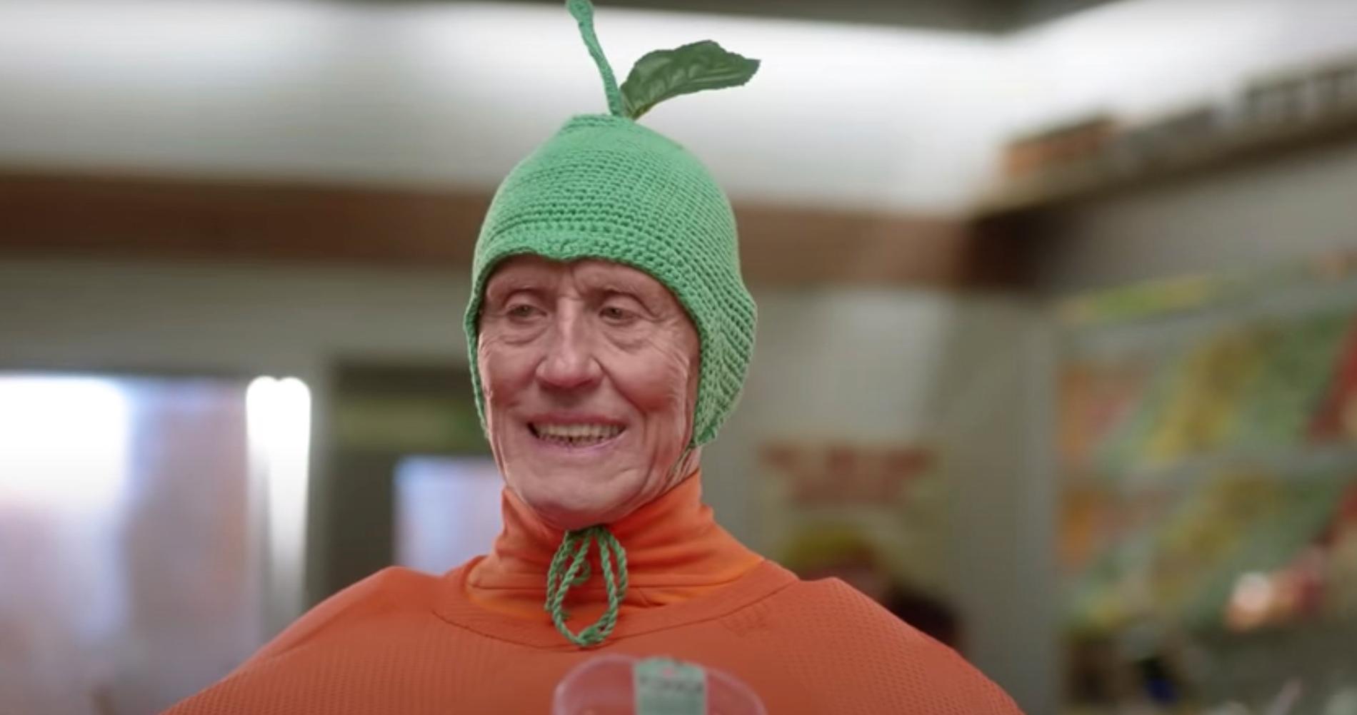 Börje Salming som apelsin i senaste Ica-reklamen.