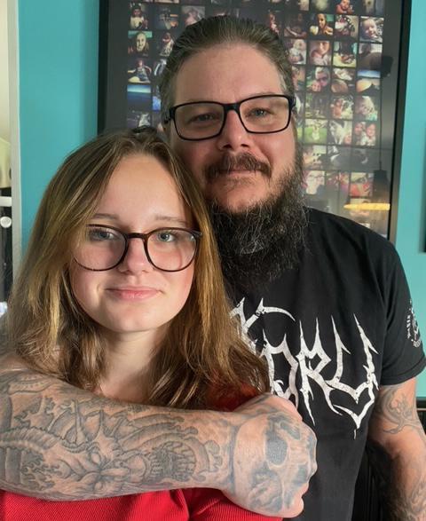 Pär Lindborg och 14-åriga dottern Molly Lindborg.