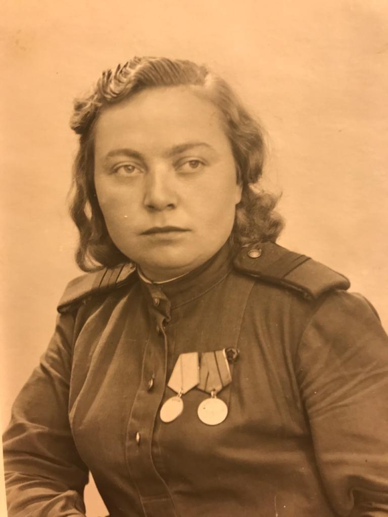 Zinaida Korneva som luftvärnssoldat under andra världskriget.