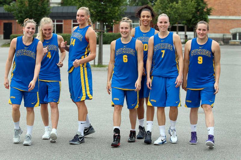 Den gyllene generationen. Stefanie Yderström, Frida Aili, Louice Halvarsson, Frida Eldebrink, Danielle Hamilton-Carter, Agnes Nordström och Elin Eldebrink fanns alla med när Sverige sensationellt gick till JVM-final 2007. I dag är de en del av det damlandslag som kan greja det första blågula seniormästerskapet sedan 1987.