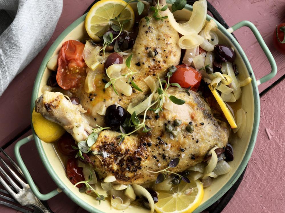 Kyckling med tomat, kapris och oliver