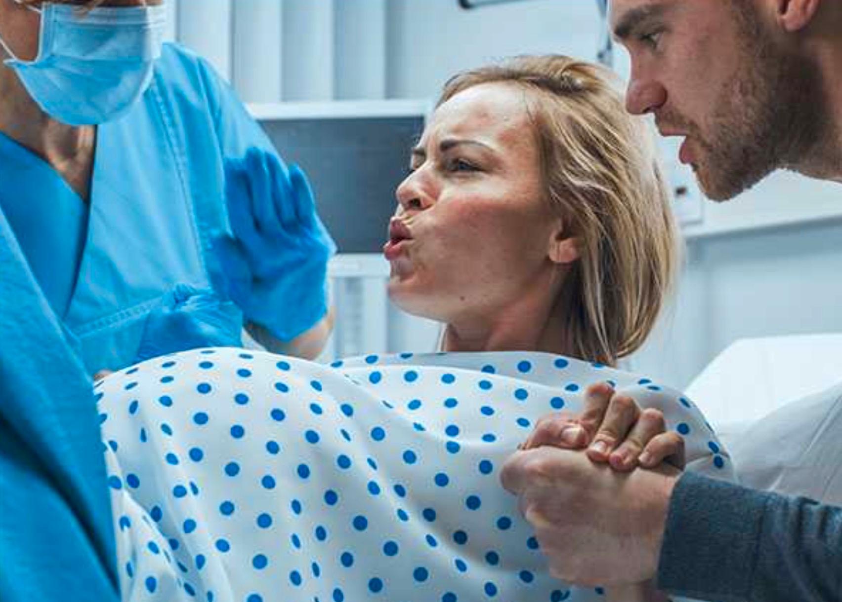 Testas alla partners för covid på förlossningen?