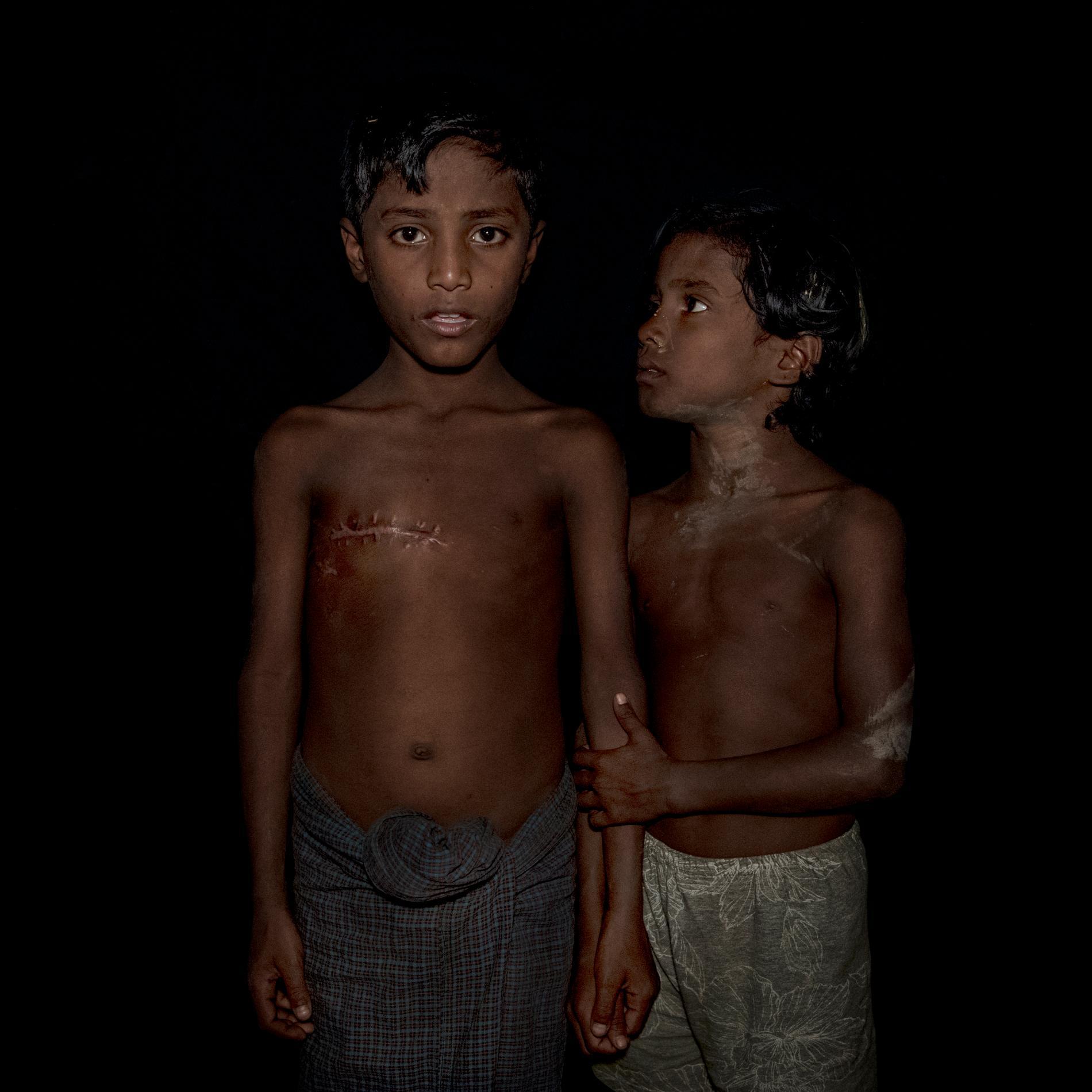 Mohammad Johaid blev skjuten av den burmesiska militären den 29 augusti. Hans sjuåriga tvillingsyster Mokarama försökte trösta när han grät och blödde. Hon var rädd och trodde att hon hade förlorat sin bror.