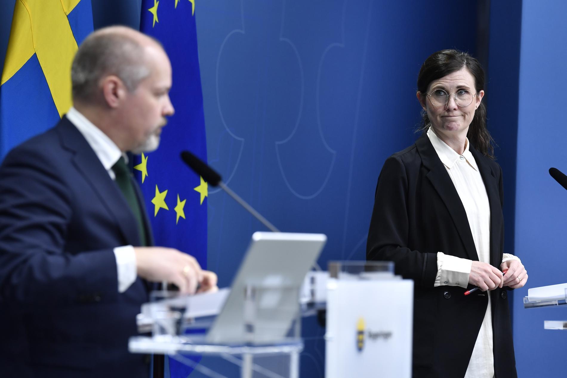 I en debattartikel i Aftonbladet skriver justitieminister Morgan Johansson (S) och jämställdhetsminister Märta Stenevi (MP) att ett lagförslag tas fram av regeringen där minimistraffet för grov kvinnofridskränkning skärps. Arkivbild.