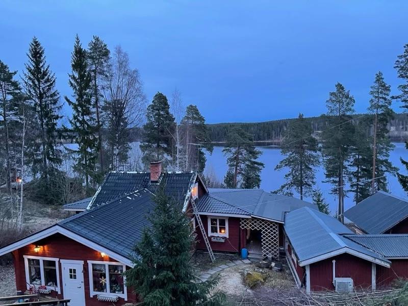 På bilden syns hur bostaden såg ut innan branden.