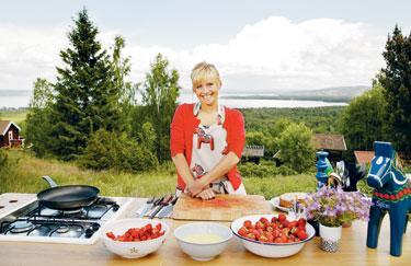 """Mette Randem I USA är de superintresserade av svensk matlagning. Tina Nordström är Sveriges nya exportstjärna. I höst gör hon debut i amerikansk tv med sitt program """"New Scandinavian cooking""""."""