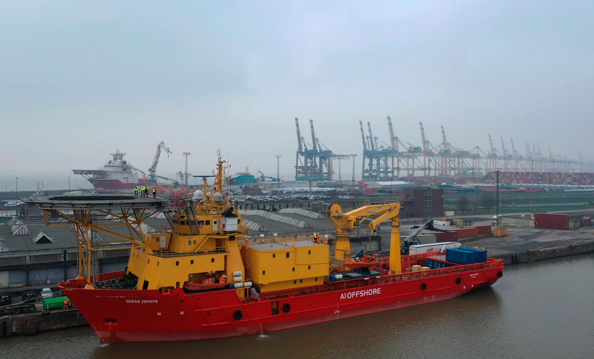 Fartyget Ocean Zephyr kommer att husera omkring 50 forskare, ingenjörer och tekniker under projektet.