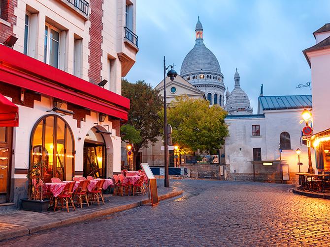 Kafé vid Sacre Coeur-kyrkan i Paris.