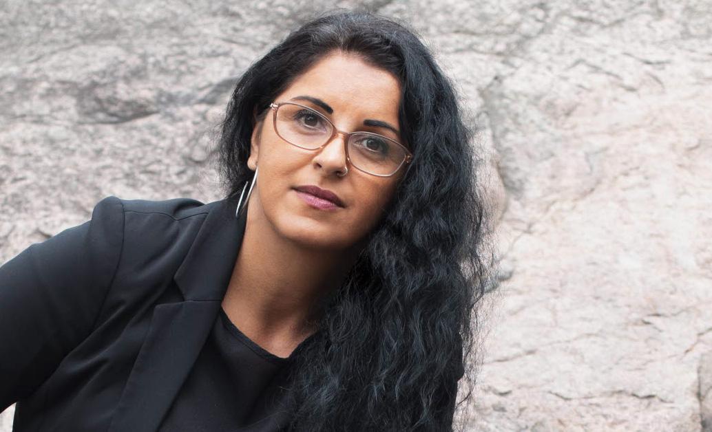 """Ida Ali Lindqvist utkommer med boken """"Jag är visst någonting"""" (Natur & Kultur) om tiden på Hassela, pedagogiken och den svenska drogpolitiken. I förra veckan debatterade hon med Widar Andersson i radions Studio Ett."""