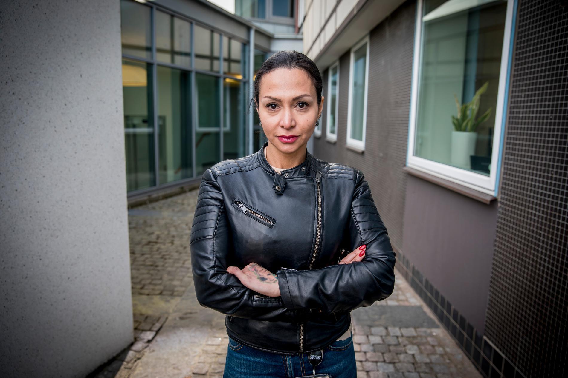 """Bahareh Andersson: """"Jag blev bokstavligen utvisad från kaféerna bara för att jag är kvinna. Detta hände alltså inte i Iran utan här i Sverige. Sverige är alltså inte så perfekt som det verkar. """""""