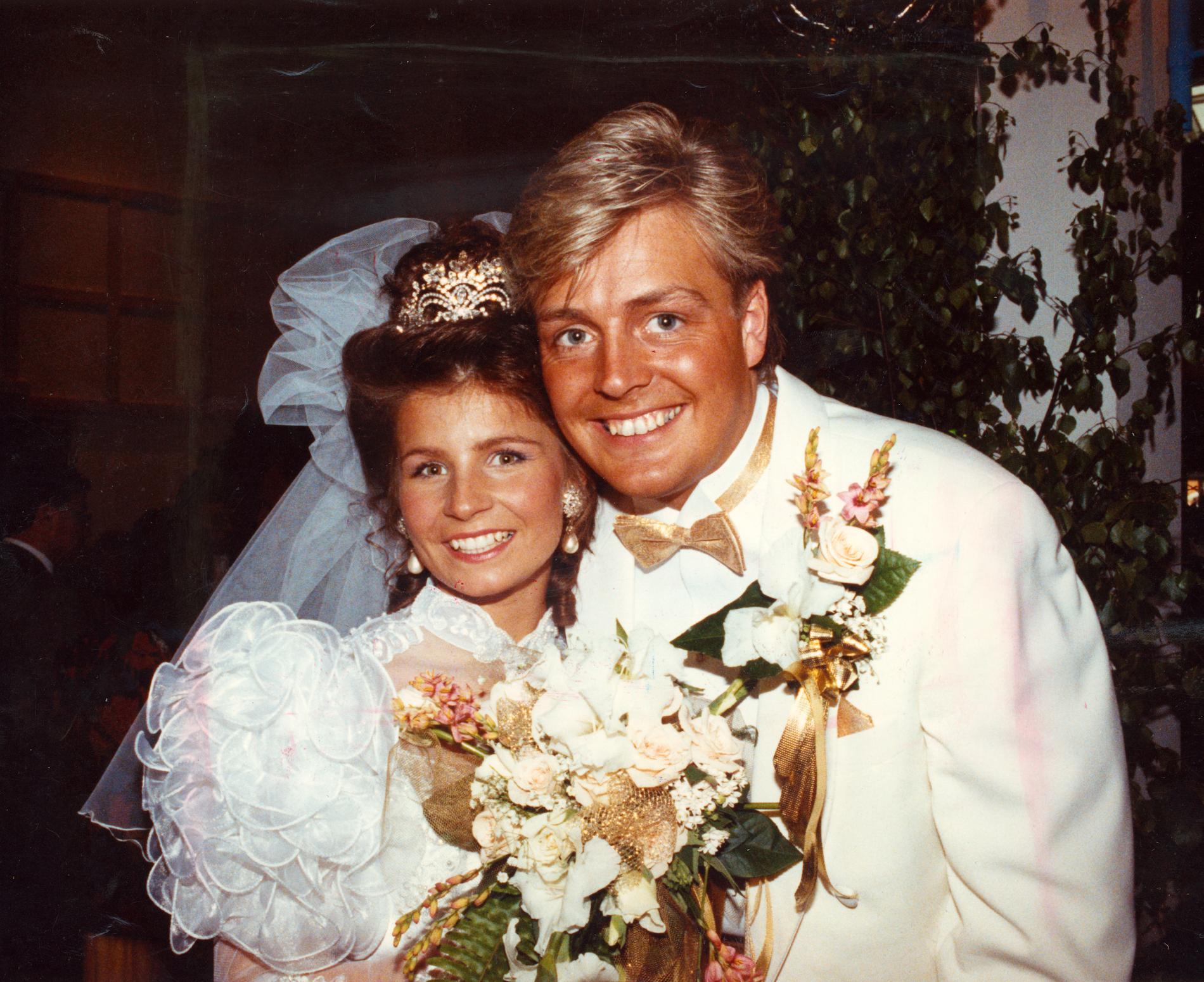 Carola och Runar gifte sig 1990.