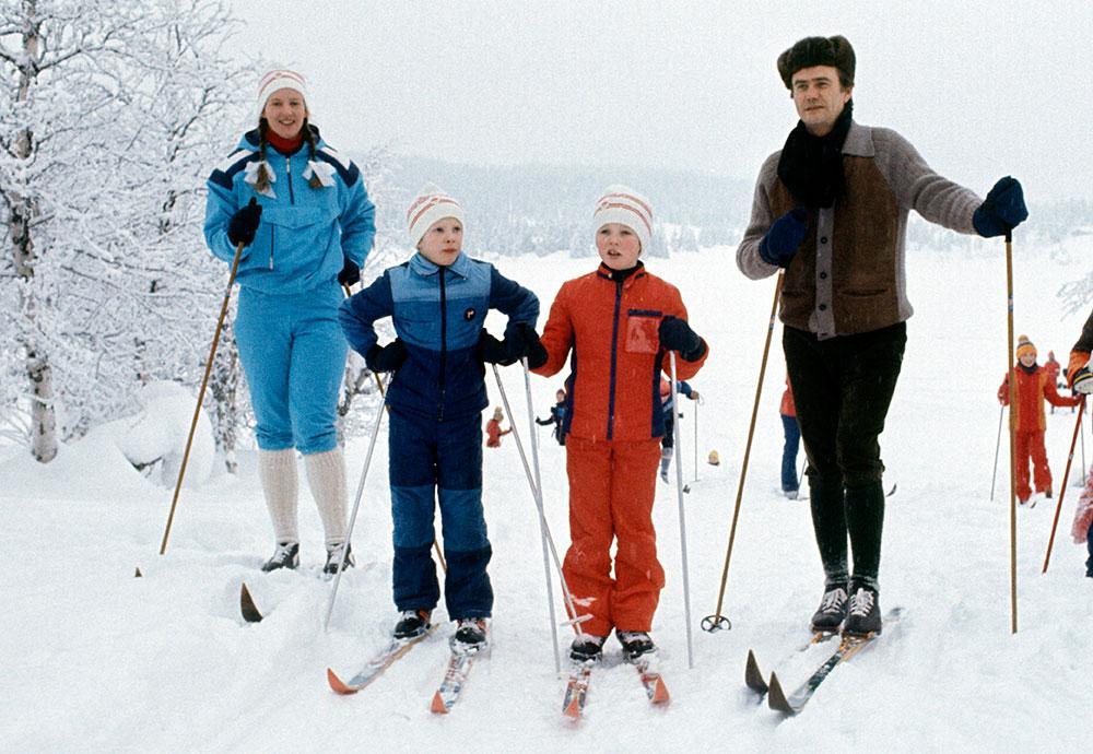 Kungliga familjen på skidsemester.