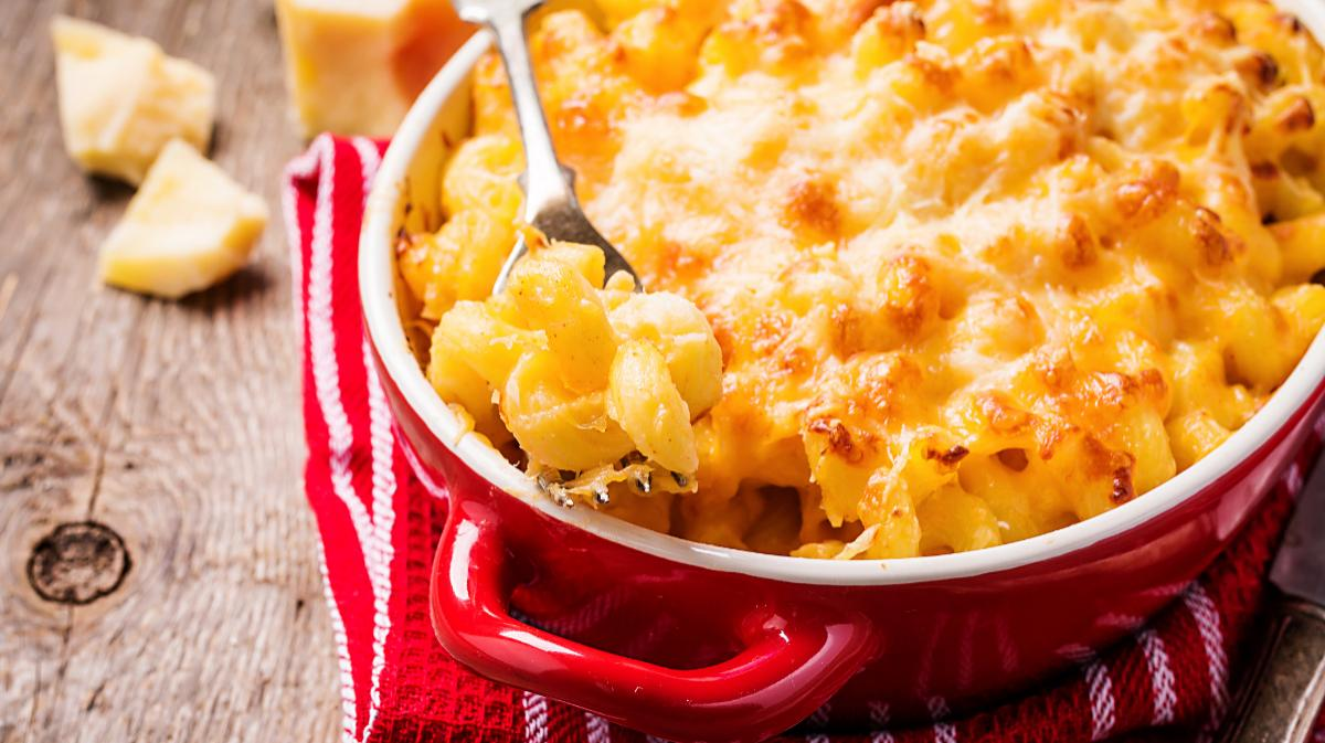 Mac and cheese – gratinerad i ostsås.