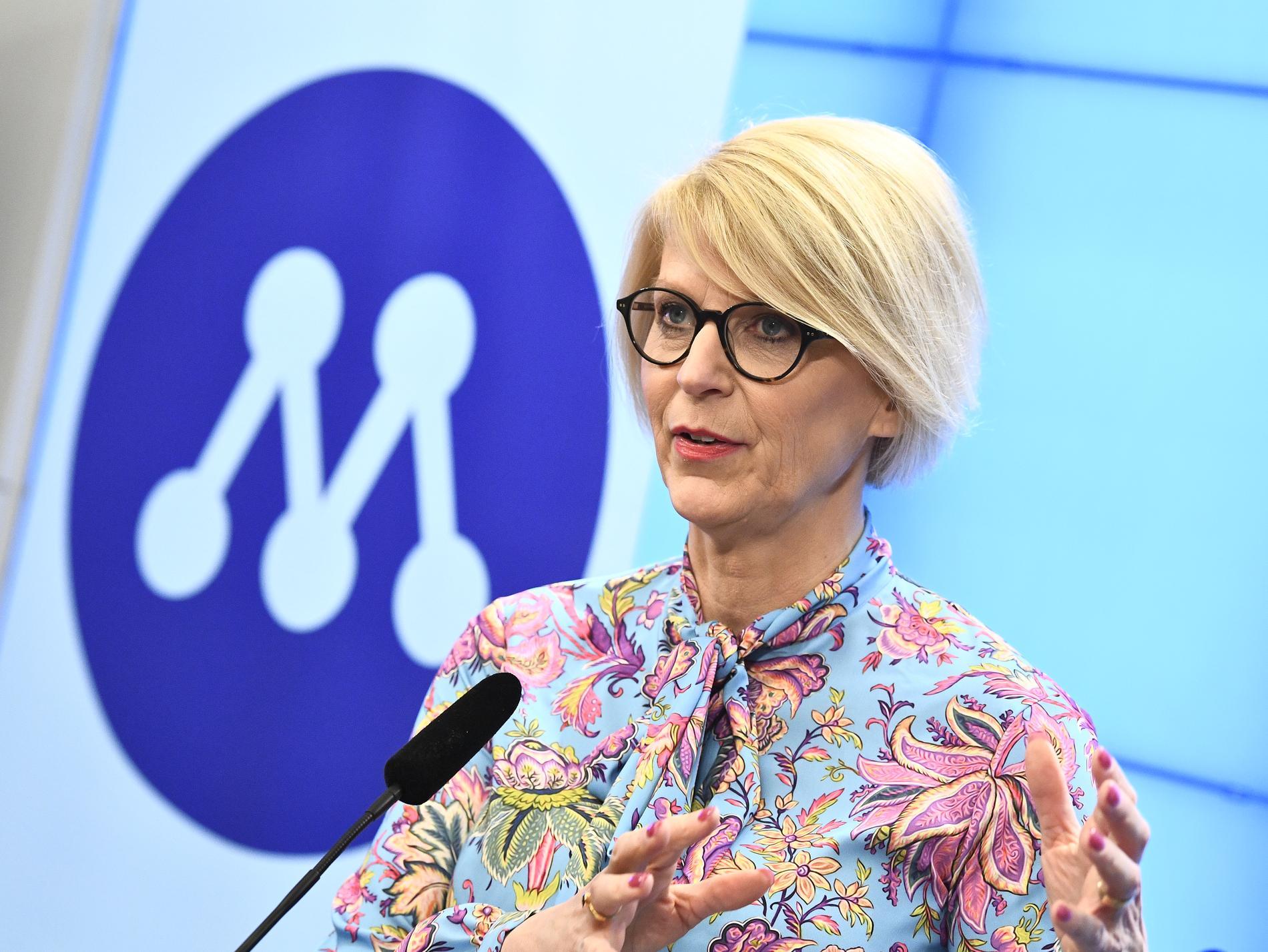 Elisabeth Svantesson (M).