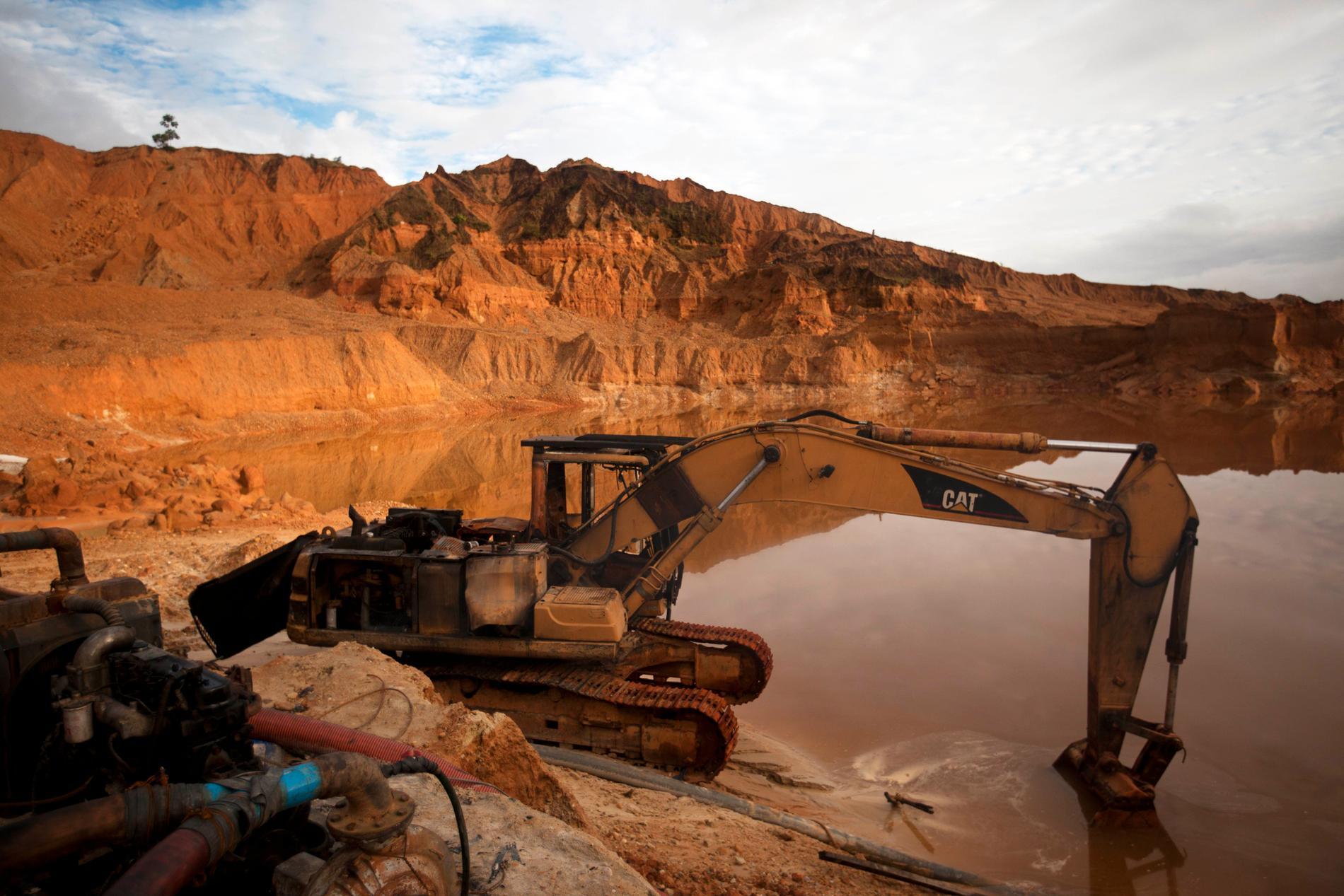 En guldgruva i Madre de dios-regionen i Peru, där även gruvan utanför La Rinconada ligger. Arkivbild.