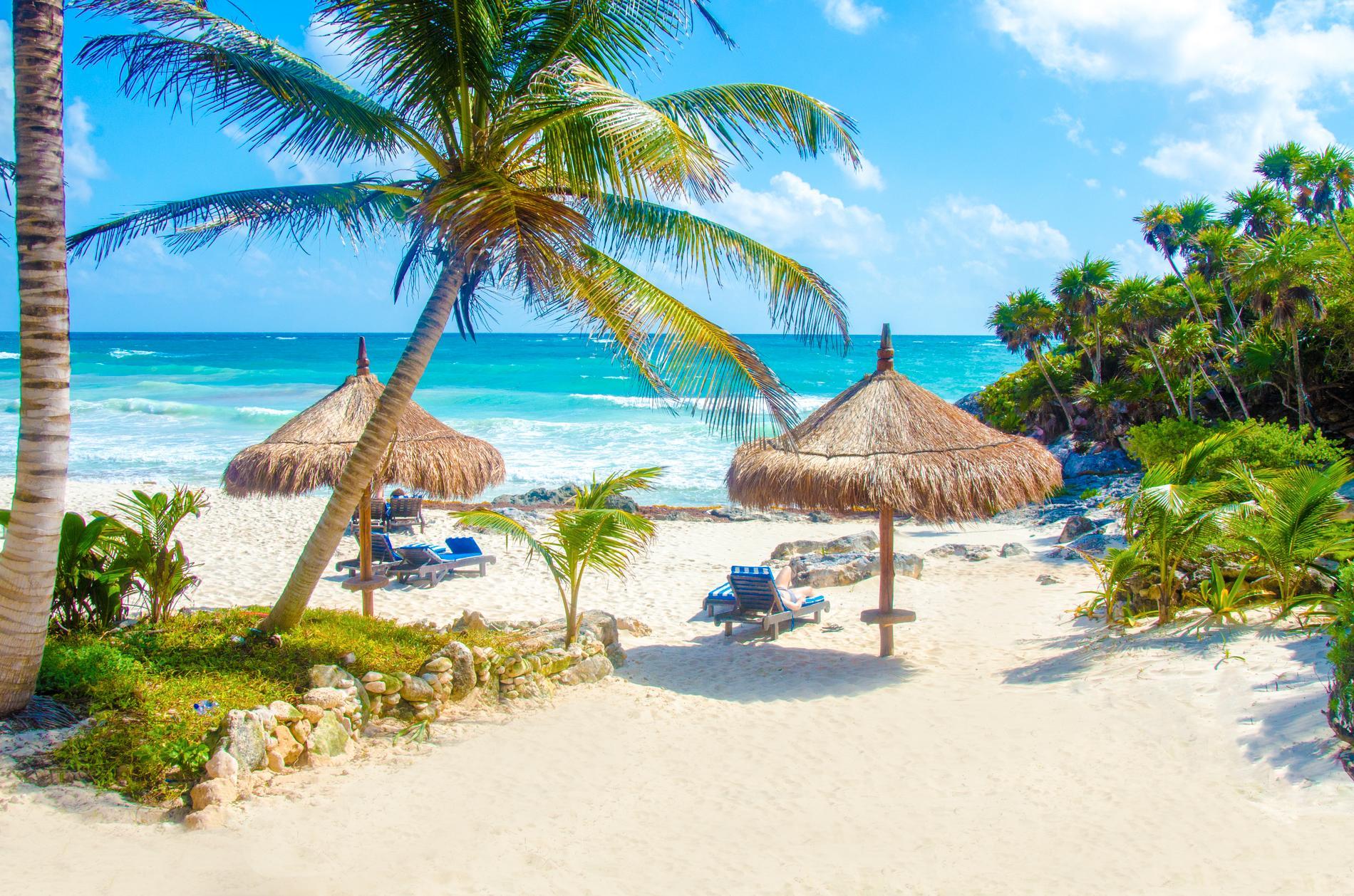 I Mexiko finns platser som Tulum att fly till i februari.