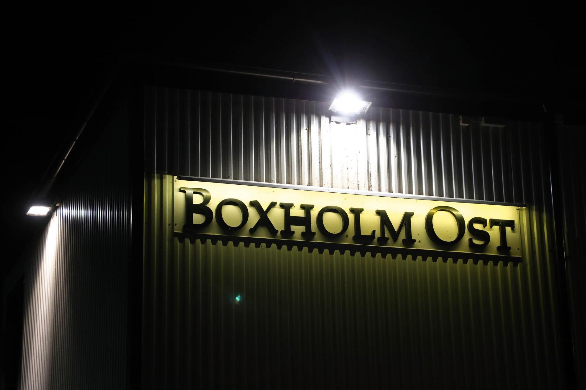 Kommun köpte mejeriet i Boxholm efter att Arla lagt ner osttillverkningen där.