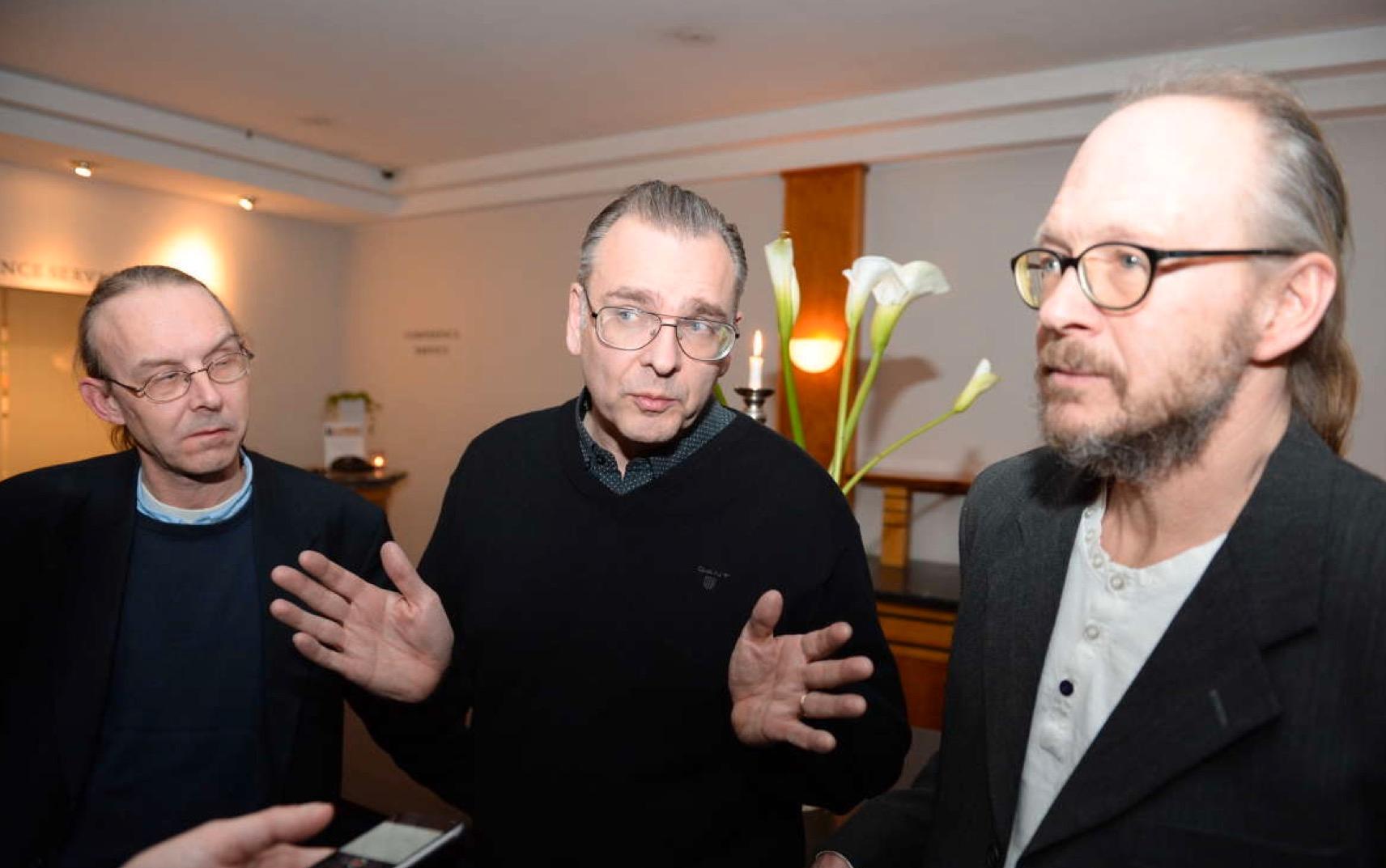 Lennart Wastesson, Sven-Inge Sjöberg och Larry Forsberg är bedrövade.