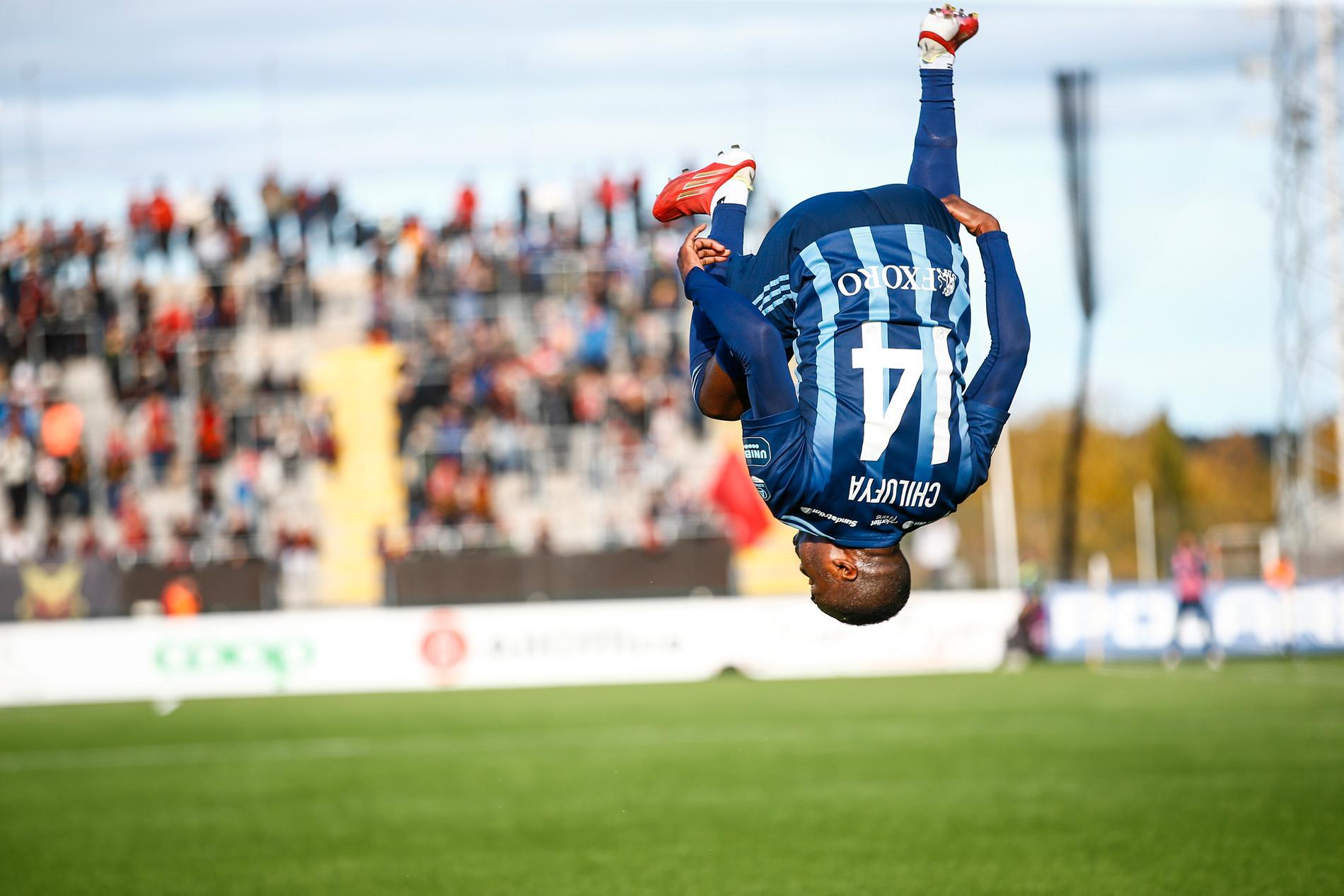 Djurgårdens Edward Chilufya gjorde en volt efter sitt 2–0-mål i 3–0-överkörningen borta mot Östersund.