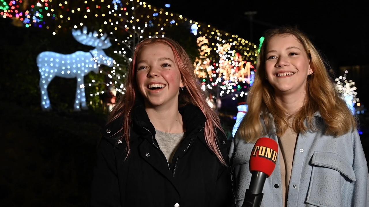 Nellie Brandin Hägglund, 16 och Klara Andrée Nyberg, 16.