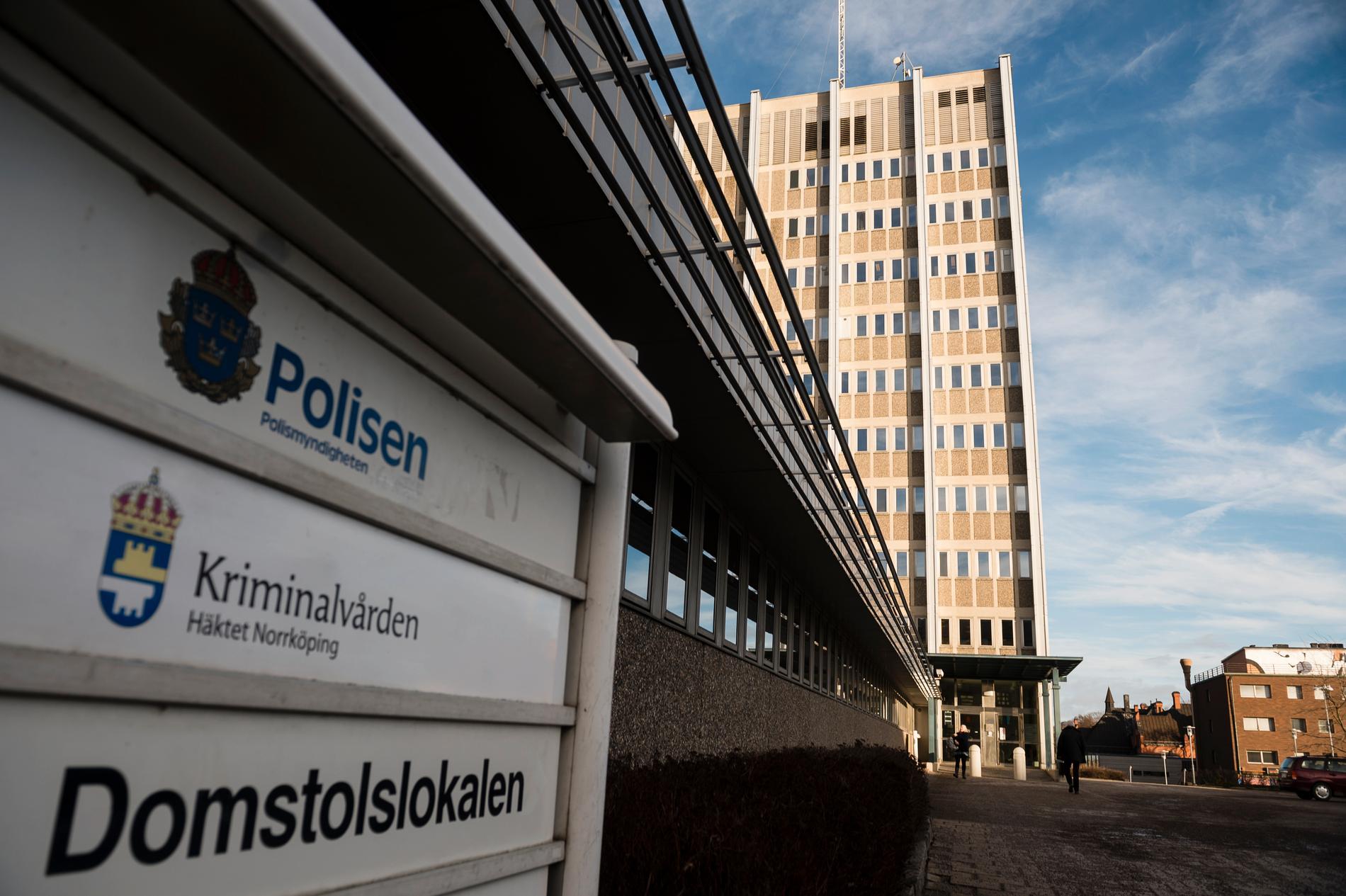 Polishuset i Norrköping. Arkivbild.