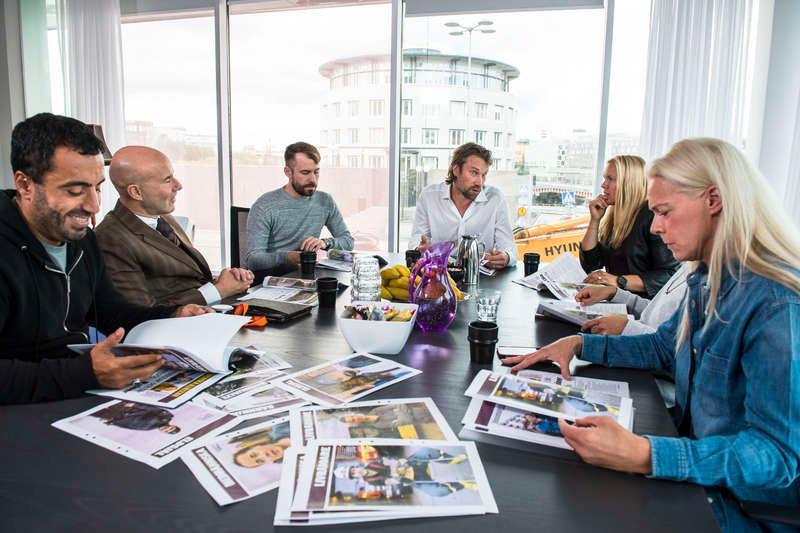 Nytt för i år  Peter Forsberg leder årets juryarbete och nya medlemmar i juryn är artisten Zara Larsson och Expos chefredaktör Daniel Poohl.