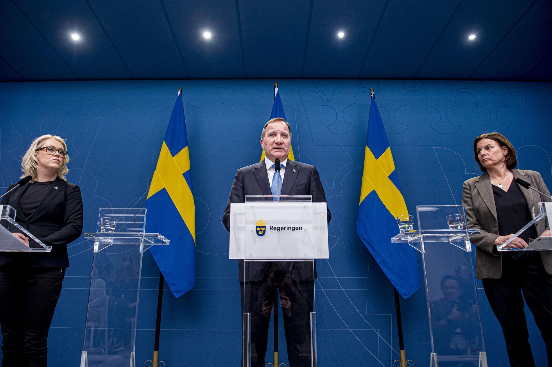 Socialminister Lena Hallengren (S), statsminister Stefan Löfven (S)