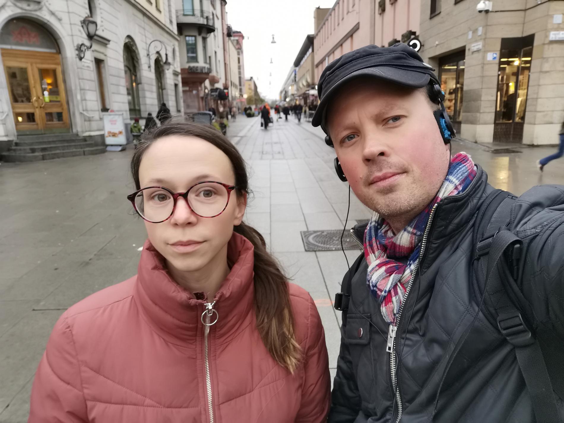 Anna Sjögren och Patrik Lundin på plats i Uppsala.