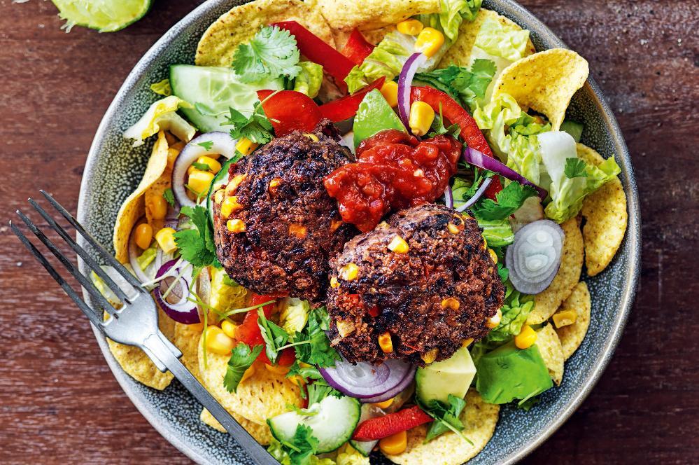 Tacobiffar med nachosallad