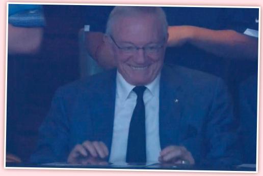 Jerry Jones är den ofta kritiserade – för att inte säga hånade  – ägaren av Dallas Cowboys. Han bjöd på det här Bond-skurks-leendet när laget krossade New Orleans och vann tredje raka.