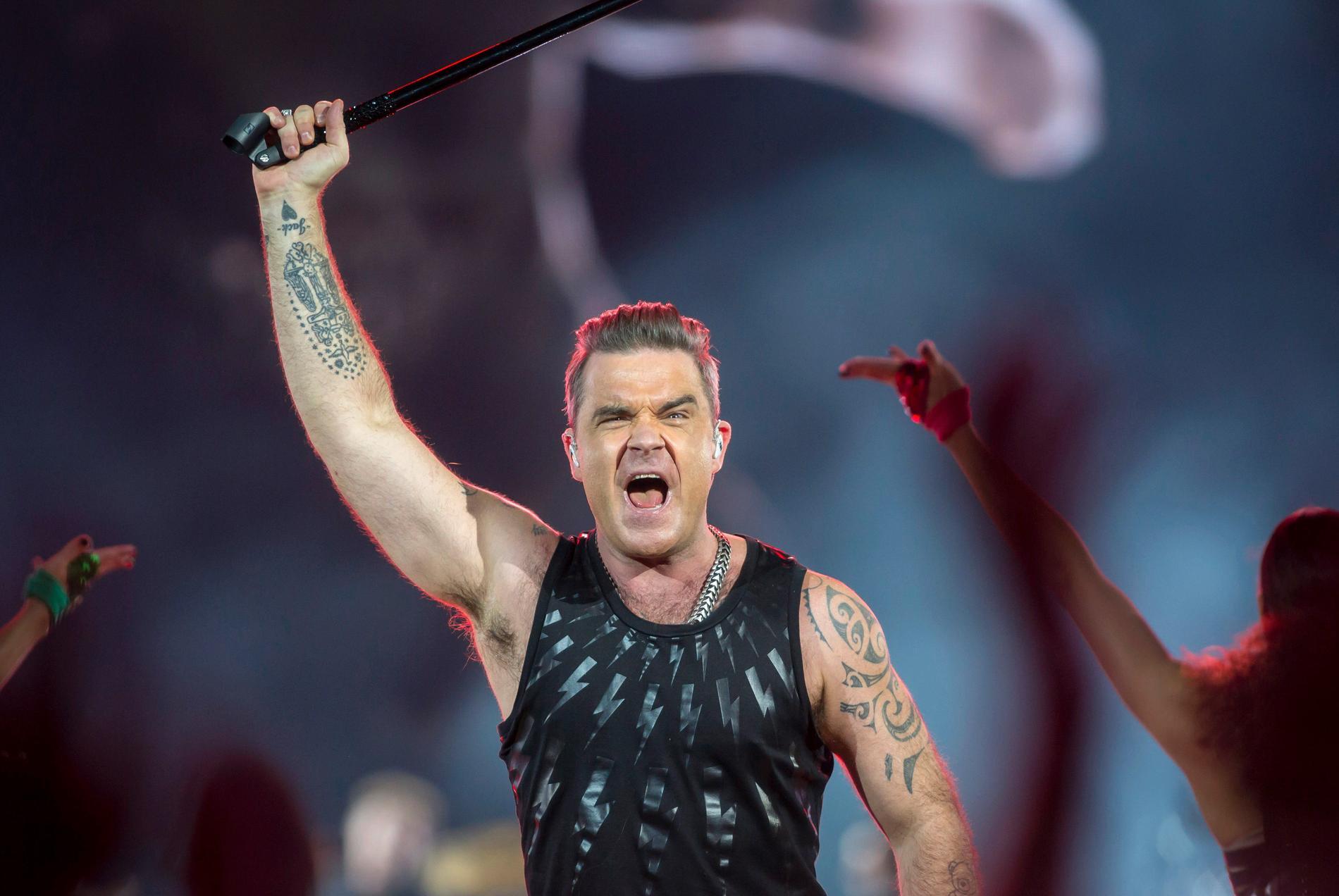 Robbie Williams ska rocka igång fotbolls-VM på torsdag. Arkivbild.