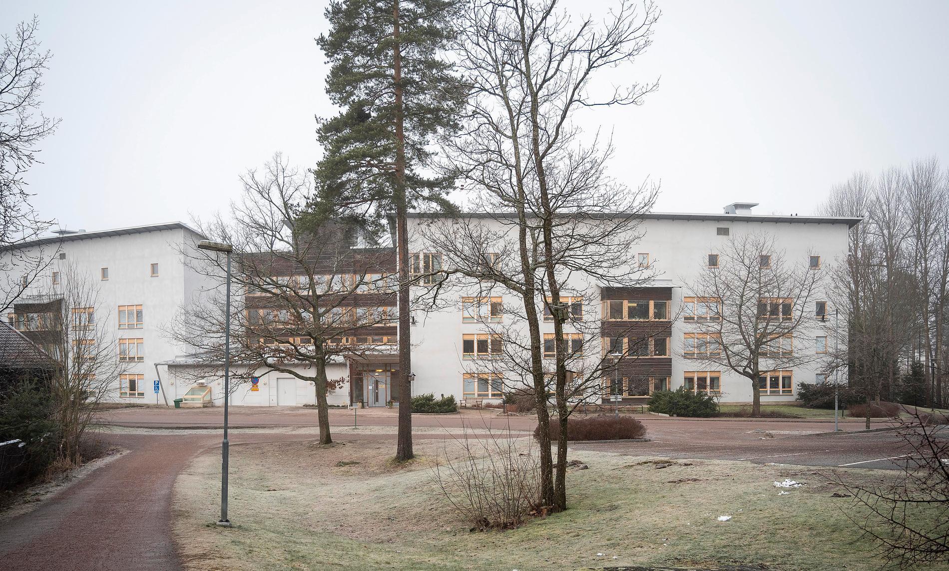 Många äldre och förvirrade personer har lyckats rymma från det kommunala demensboendet Ankaret i Västerås.