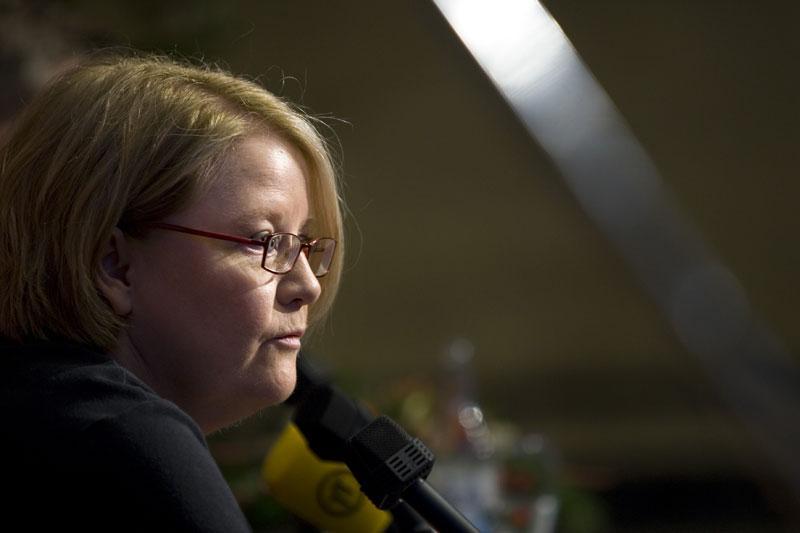 Barbro Jönsson på presskonferensen i Göteborg.